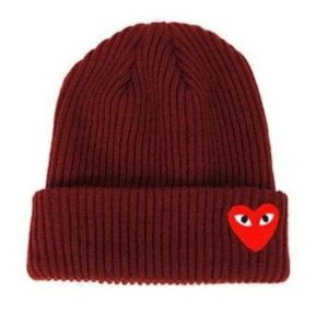 COMME DES GARCONS PLAY BEANIE MAROON